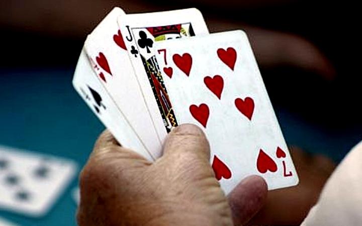 Во что можно играть в карты 36 игровые автоматы inurl com phocaguestbook